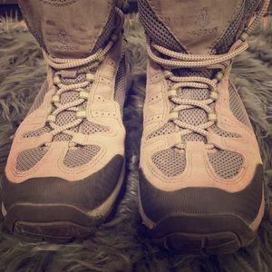Vasque Hiking Boots   Women's Size 10